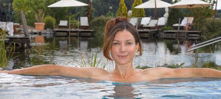 Beheizter Aussenpool im Wellness Hotel Jagdhof (Passauer Land)